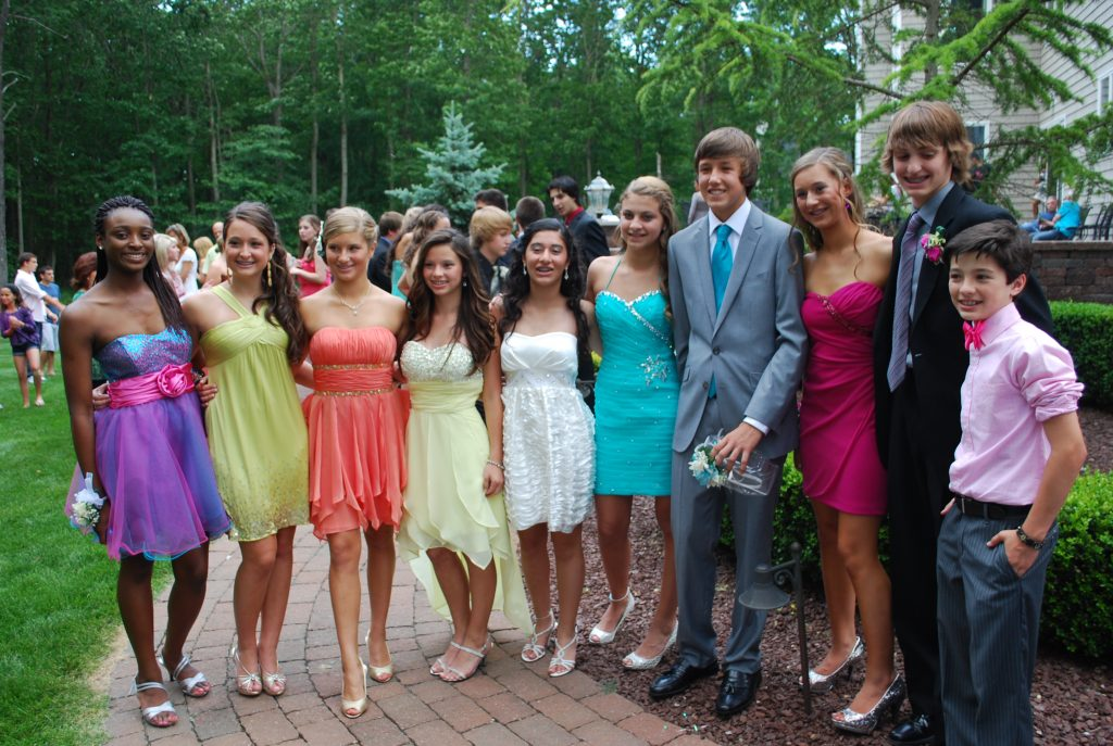 what to wear to eighth grade graduation